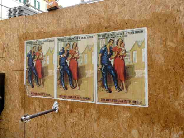 H αφίσα στη Pώμη δίνει �μφαση στην οικογ�νεια.